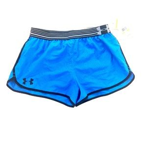 Sz M under armour fitted lined shorts